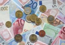 Gdzie najlepiej wymienić walutę przed podróżą?